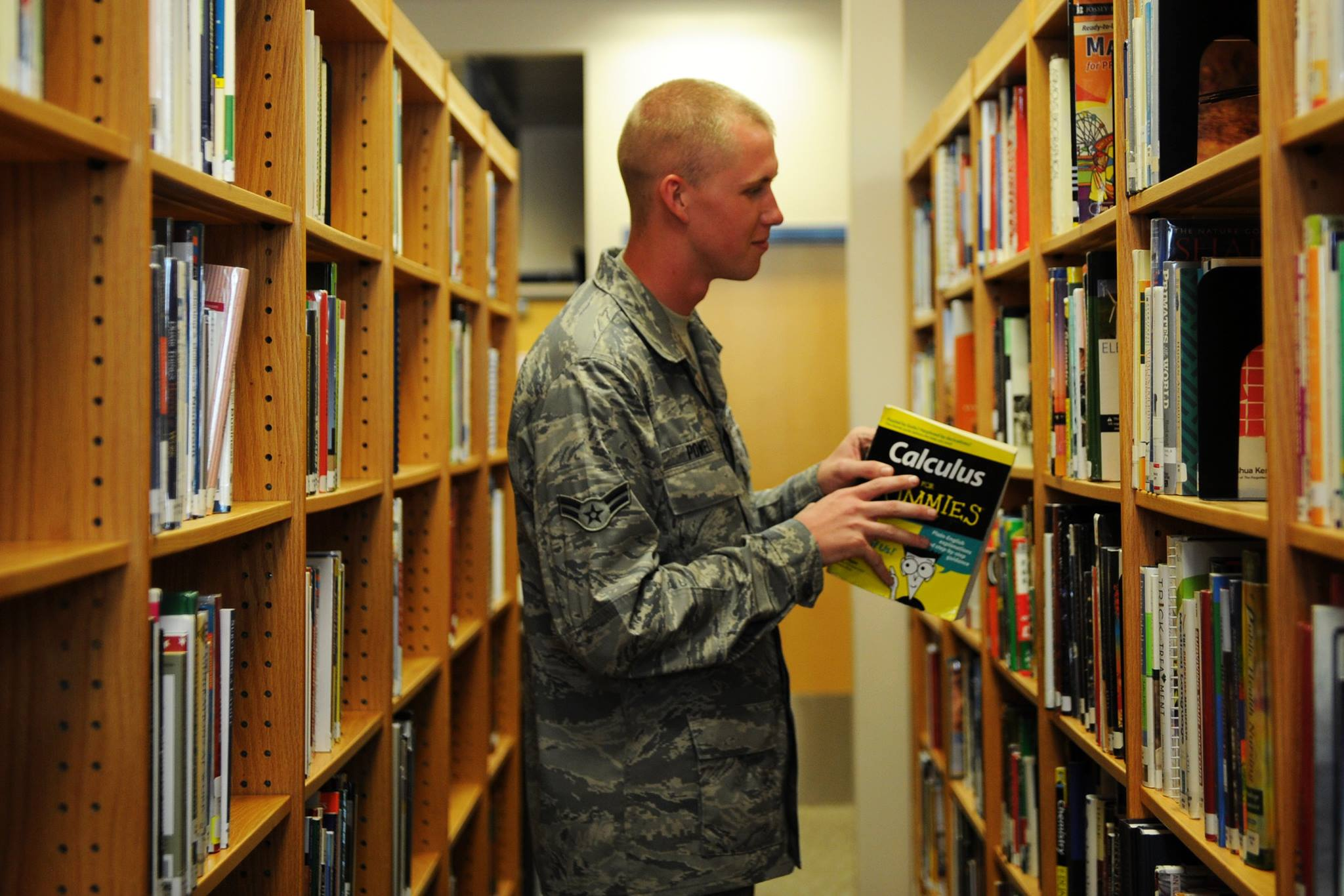 McConnell Air Force Base  Library Page